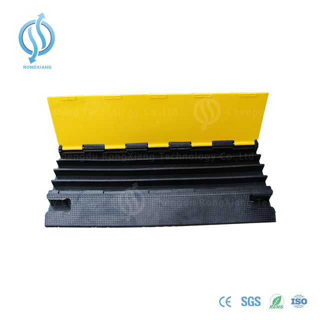 900mm 4 channel cable protector
